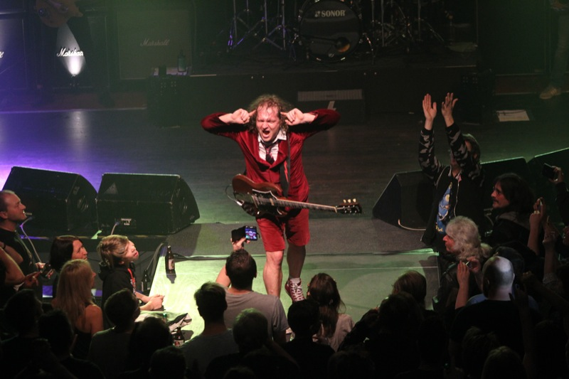 The<br>AC/DC Show